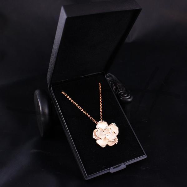 rosenkette halskette kette rose rosegold pl swarovski. Black Bedroom Furniture Sets. Home Design Ideas